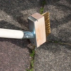 garden decking brush