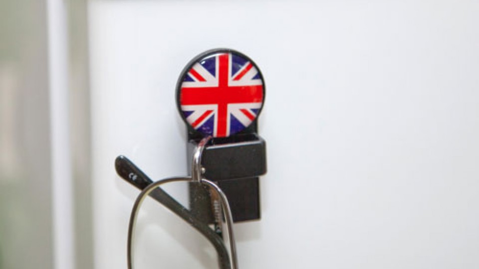 tozo_union_jack_black_round_magnetic_fridge